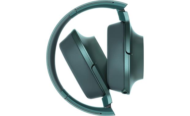 Sony h.ear on MDR-100AAP Fold the earcups flat for easy storage