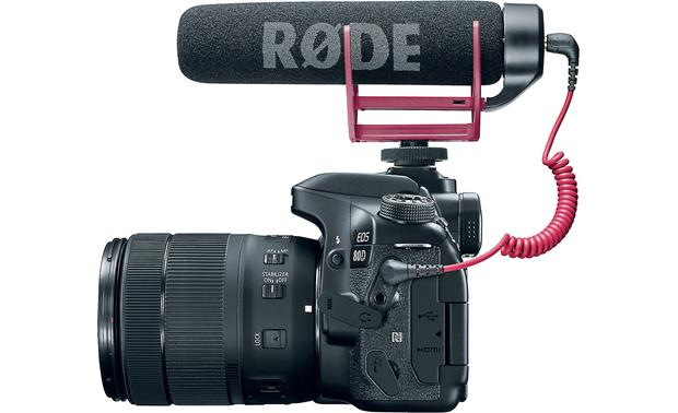 Canon EOS 80D Video Creator Kit EOS 80D side, with Rode VideoMic GO shotgun microphone