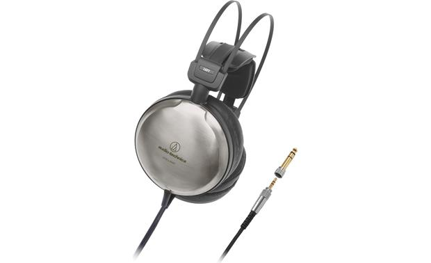 Audio-Technica ATH-A2000Z Closed-back design and sturdy titanium housings lower resonance for strong, natural bass