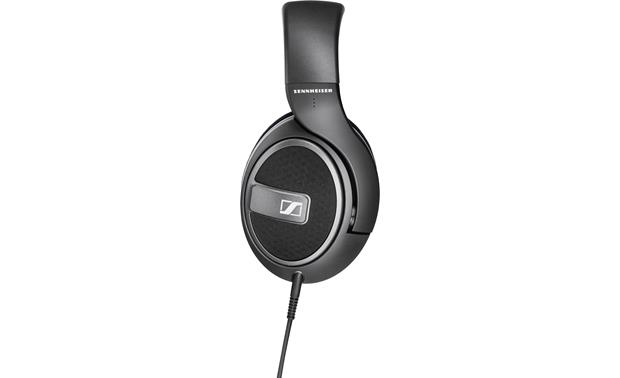 Sennheiser HD 559 38mm drivers tuned to deliver deep bass