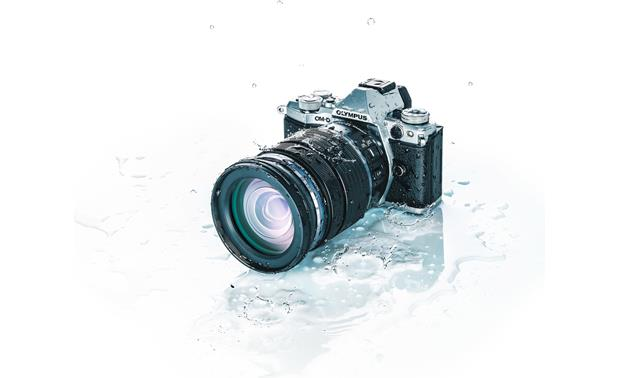 Olympus M. Zuiko ED 12-100mm f/4 IS PRO Dust- and splash-proof design (camera not included)
