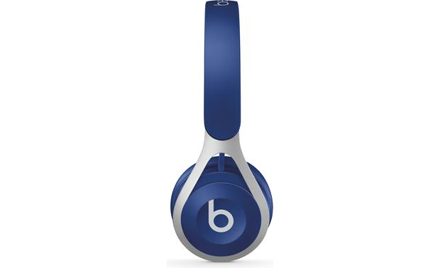 Beats by Dr. Dre EP Portable, lightweight design with powerful Beats sound