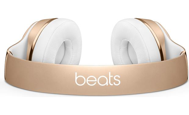 Beats by Dr. Dre® Solo3 wireless Padded, flexible headband