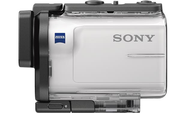 Sony HDR-AS300R Submerge the camera down to 197 feet with the included underwater housing