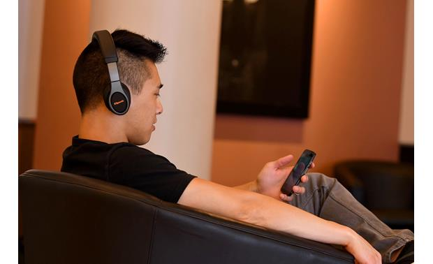 Klipsch Reference On-ear Bluetooth® Play music wirelessly from your phone or tablet