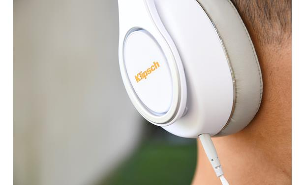 Klipsch Reference Over-ear Clean yet rugged design
