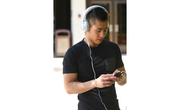 Klipsch Reference Over-ear Lightweight design for listening on the go