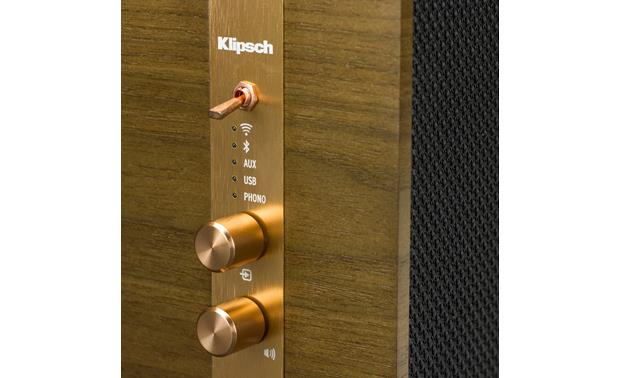 Klipsch The Three Walnut - top-mounted control knobs