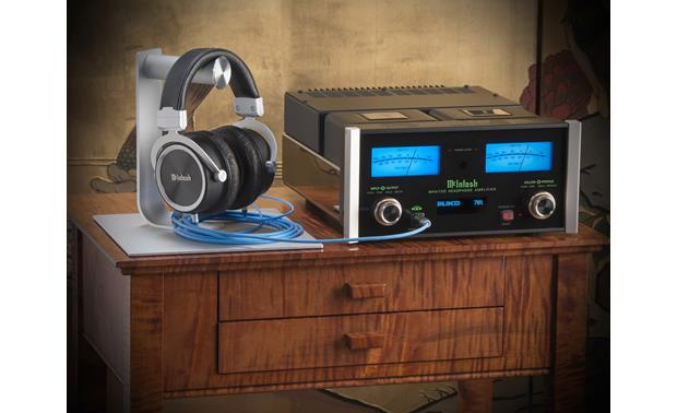 McIntosh MHA150 Doubles as a headphone amp and a stereo integrated amp