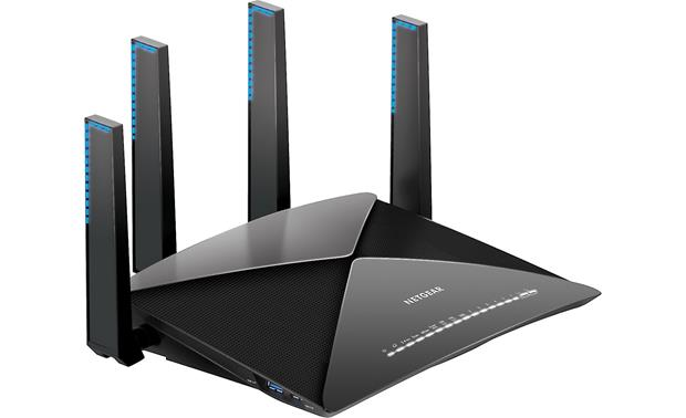 NETGEAR Nighthawk™ X10 Four external antennas help cover a large area with powerful Wi-Fi®