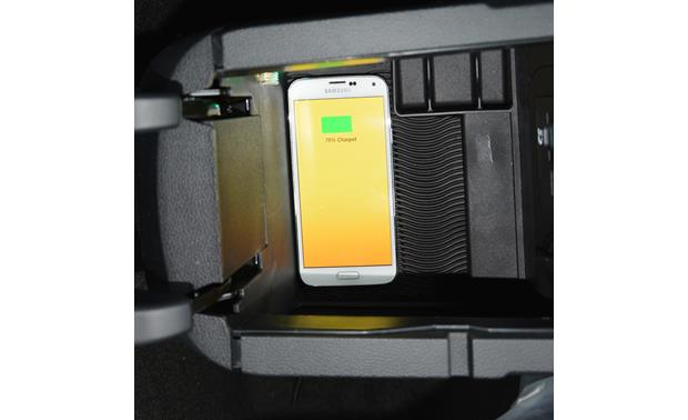 Brandmotion FDMC-1222 Brandmotion's kit installed in the armrest console (phone not included)