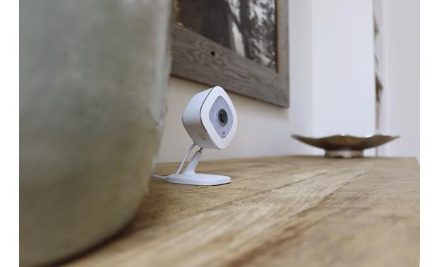Arlo Q Built-in microphone and speaker allow two-way talk function