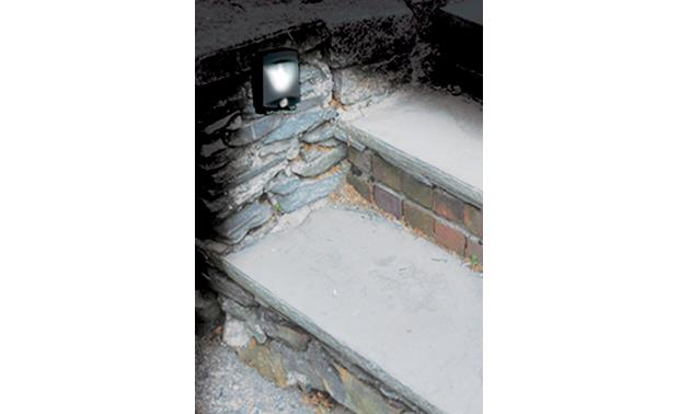 MAXSA Battery-powered Night-light Make outdoor stairs safer