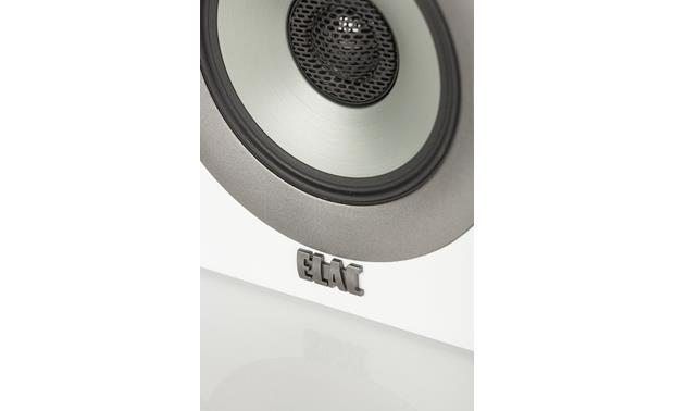 ELAC Uni-Fi BS U5 Slim Close-up view of concentrically mounted soft dome tweeter and  aluminum cone midrange