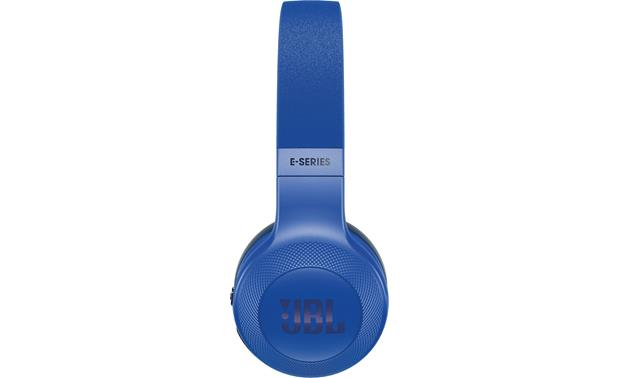 JBL E45BT Sleek on-ear design