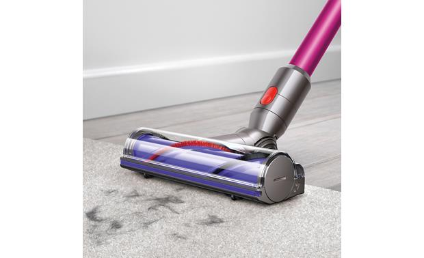 Dyson V7 Motorhead The direct-drive cleaner head works wonders on carpets