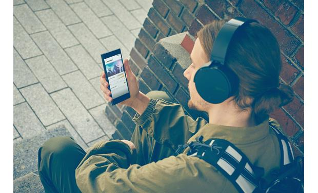Sony MDR-XB950N1 EXTRA BASS™ Sony's Headphone Connect app for Apple® and Android™ lets you adjust the amount of bass you hear