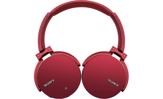 Sony MDR-XB950B1 EXTRA BASS™ Earcups fold flat for easy transport