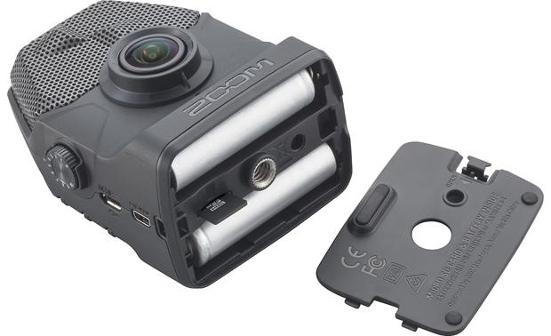 Zoom Q2N Batteries and microSD card compartment