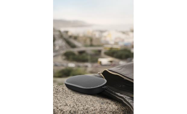Bang & Olufsen Beoplay P2 Black - smooth, rounded shape slips easily into a pocket