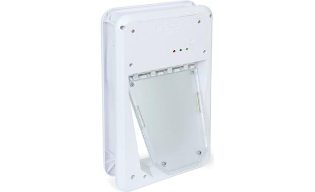 PetSafe Small Electronic SmartDoor™ Opens only when it senses the included SmartKey, which attaches to your pet's collar