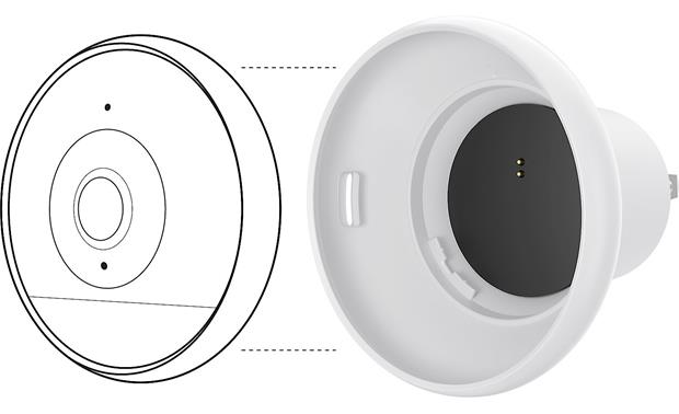 Logitech® Circle 2 Camera/Plug Mount Bundle You can easily switch from the wired mount to the plug mount