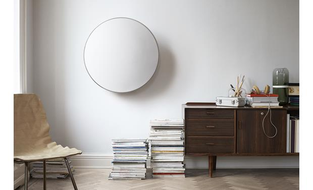 Bang & Olufsen Beoplay A9 White with Maple Legs - wall-mountable