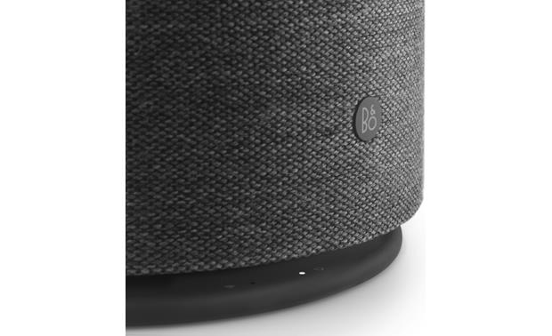 Bang & Olufsen Beoplay M5 Black - down-firing woofer detail