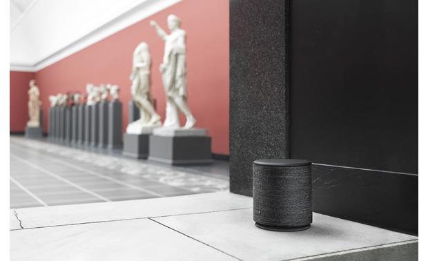 Bang & Olufsen Beoplay M5 Black - Trusound 360 allows placement just about anywhere in the room