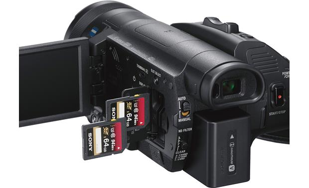 Sony Handycam® FDR-AX700 Dual memory card slots for extended recording time