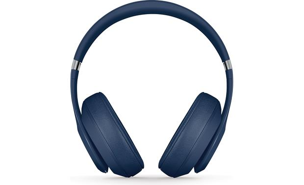 Beats by Dr. Dre® Studio3 Wireless Firm, secure fit with well-cushioned earpads