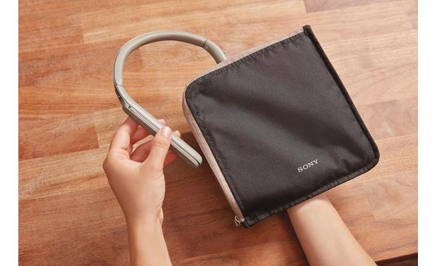 Sony WI-1000X Includes carrying pouch