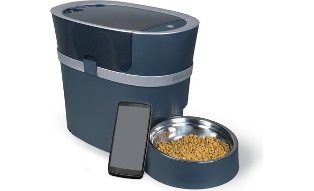 PetSafe Smart Feed Control the Smart Feed with your Apple or Android smartphone (not included)