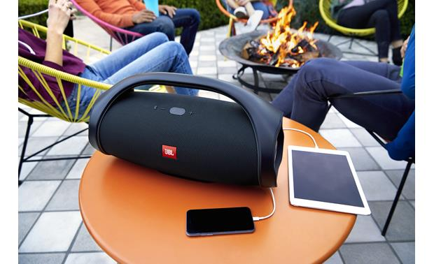 JBL Boombox Black - recharge two devices simultaneously (smartphone and tablet not included)