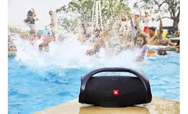 JBL Boombox Black - waterproof