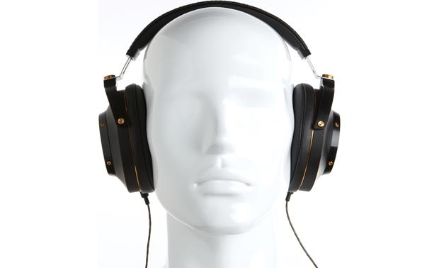 Klipsch Heritage HP-3 Mannequin shown for fit and scale