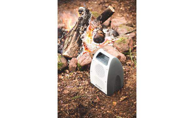 Kicker Bullfrog® BF400 Music System Gray - waterproof and dust-proof for outdoor use