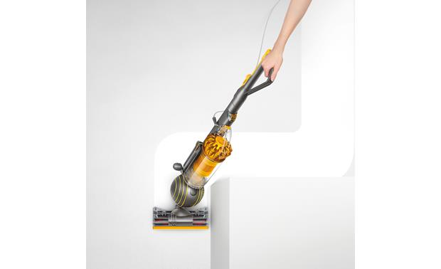 Dyson Ball Multi Floor 2 Ball design helps the vacuum clean around tight corners