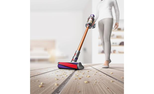 Dyson Cyclone V10 Absolute Soft roller cleaner head gently but firmly cleans wood floors