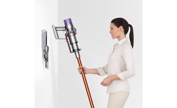 Dyson Cyclone V10 Absolute Included mount for storage and battery charging