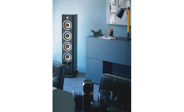 Focal Aria 936 Shown in room