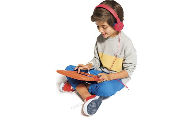 JBL JR300 Limits the volume output, so your kids can listen safely