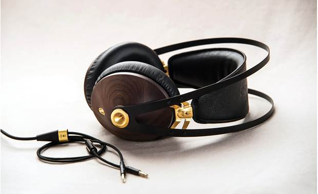 Meze Audio 99 Classics Built from premium materials like real walnut and steel