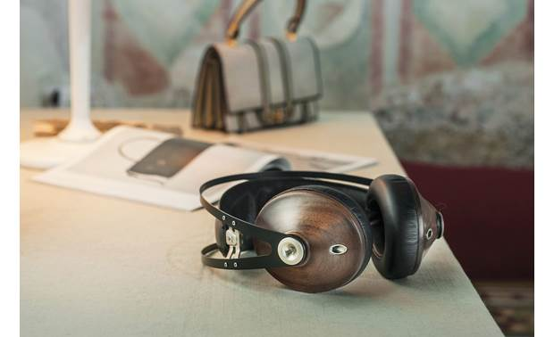 Meze Audio 99 Classics Striking, lightweight design