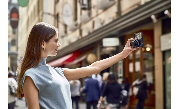 Sony Cyber-shot® DSC-RX100 VI The toucshcreen faces forward to help you frame the perfect selfie