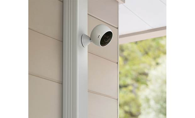 Logitech® Circle 2 Magnetic Mount Installs easily, indoors or out