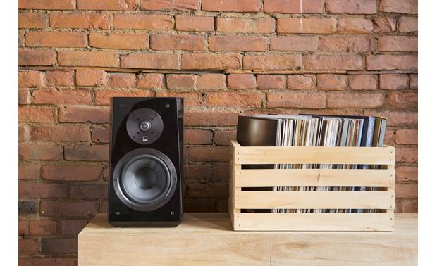 SVS Ultra Bookshelf Compact design, big sound