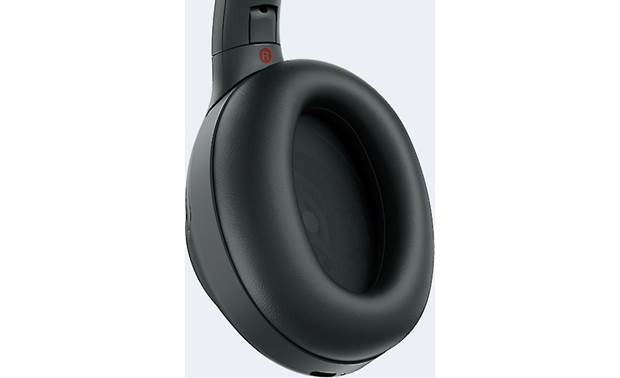 Sony WH-1000XM3 Roomier earcups than previous Sony noise-cancelers