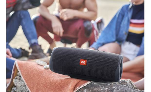 JBL Charge 4 Midnight Black - big outdoor sound