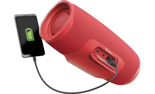 JBL Charge 4 Recharge your smartphone on the go
